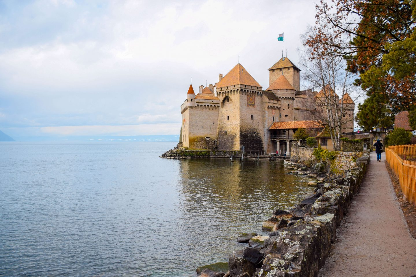 things to do in montreux chillion castle