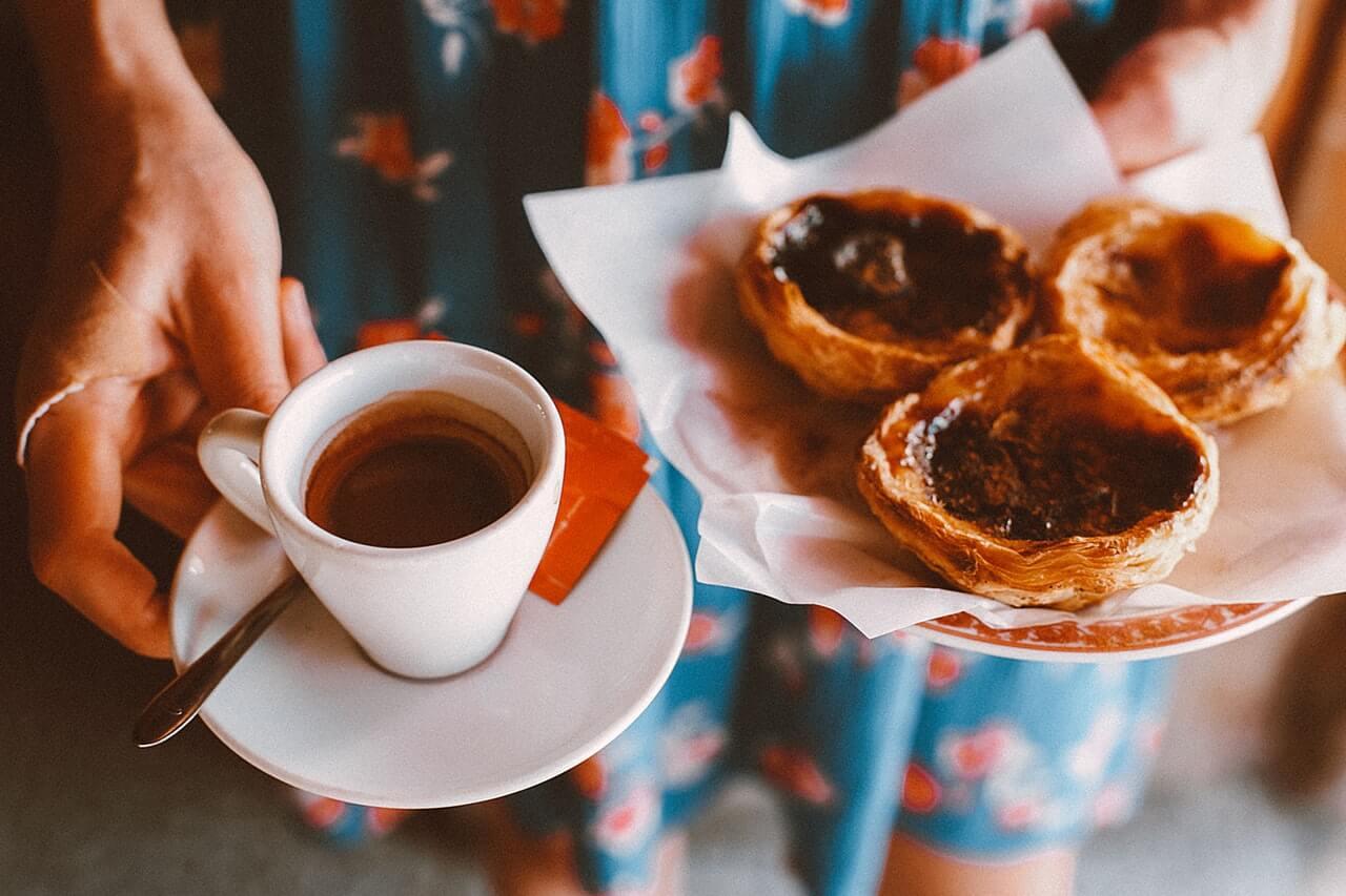 Foodies Guide Lisbon pasteis de nata