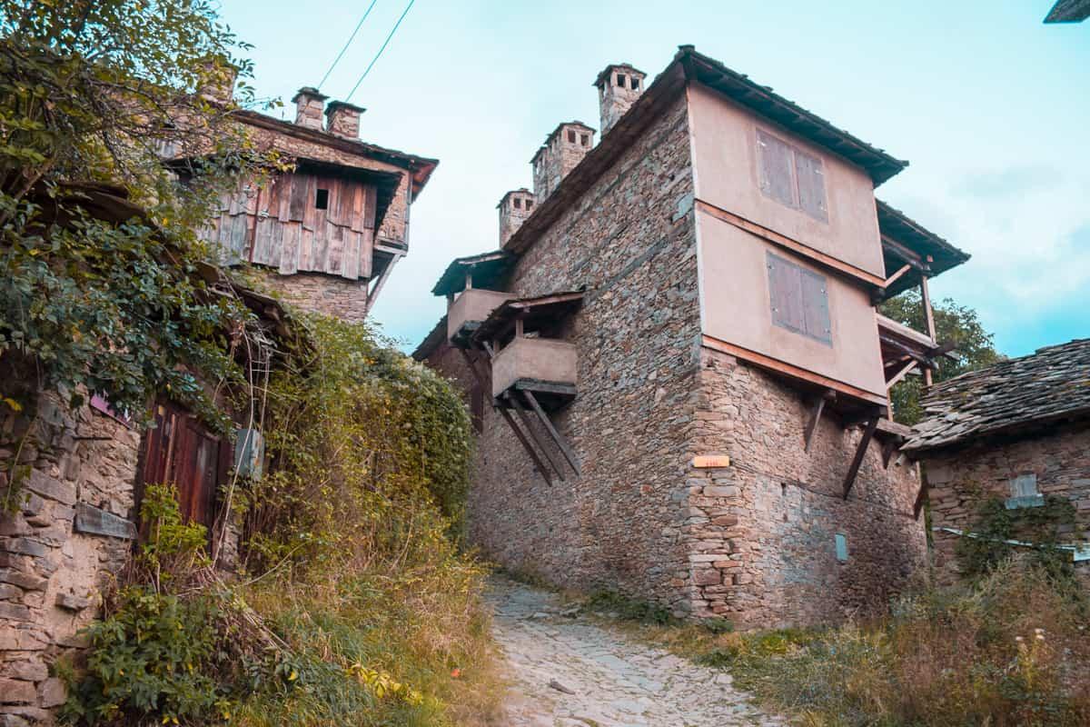kovatchevitsa-stone-houses
