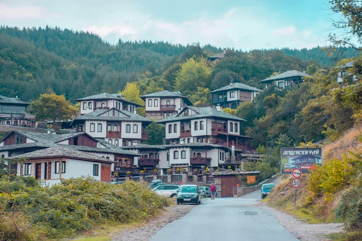 leshten-i-kovatchevitsa-view
